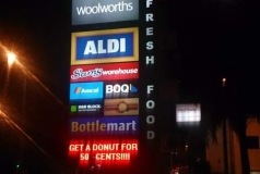 Woolworths Brisbane Pylon Sign